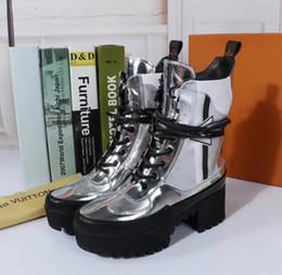 Canada Chaussures à talons pour femmes Chaussures habillées Sliiver Véritable Patebt Slip On Marque Cuir À Lacets Imprimé Casual Chaussures Casual Cheville Bottes Martin Taille Offre