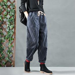 Otoño Invierno Jeans Retro Mujeres Pantalones de Mezclilla Sueltos Nueva  Cintura Elástica bowtie pocket Casual Ladies 2018 Mori niña Pantalones de  mezclilla ... 9a66298e8dab