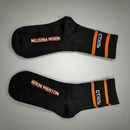 nylon hockey socken Rabatt Heron Preston Schwarz Weiß Orange Stripe lange Socken Socken Mode Hip Hop Winter Herbst Street Socken