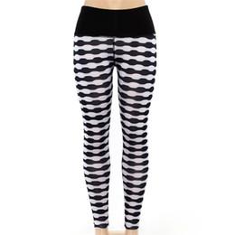 Himanjie mulheres sexy calças de fitness yoga digital plissado preto listras brancas aumentar quadris alta cintura esportes leggings calças lápis de