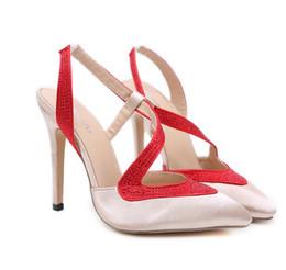 Eleganti scarpe beige online-Eleganti scarpe di cristallo scarpe da sposa patchwork di raso strass punta a punta tacco a spillo beige nero 12 cm taglia 35 a 40