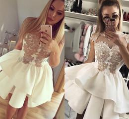 baratos ivory homecoming vestidos Desconto 2018 vestido de Baile Curto Homecoming Vestidos de Alta Pescoço Apliques de Marfim Árabe Sexy New Prom Party Vestidos Baratos Personalizado