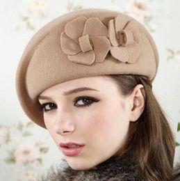 100% lana boina invierno boinas mujeres invierno fieltro boina floral mujer  fieltro francés boina Beanie fedora sombrero Beanie invierno Flor D18103006 eac560b22b9