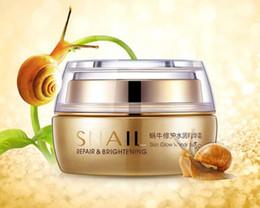 Canada BIOAQUA Natural Snail Essence Cream Crème pour le visage Hydratant Blanchiment de la peau Anti-âge Contrôle de l'huile Rétrécir les pores Soins de la peau supplier anti aging skin care cream Offre
