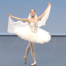 2019 traje de cisne adulto Tutu ballet criança Preto Branco Cisne profissional ballet tutu mulher adulto traje profissional menina traje de cisne adulto barato
