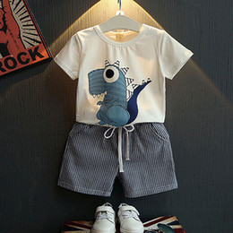 Wholesale boys shorts dinosaurs - Baby boys dinosaur print outfits children top+stripe Shorts 2pcs set 2018 Summer kids Clothing Sets C4018