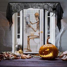 Housses de portes en Ligne-Halloween Sticker Décorations Pour Vitre Fenêtre Parti Crâne Salle De Bains Porte Autocollant Squelette Toilette Porte Couverture Mur Décor Effrayant HH7-1692