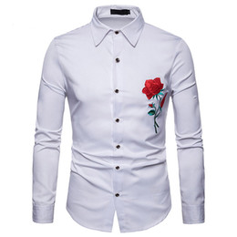 Красные розы онлайн-Red Rose Embroidery White Shirt Men 2018  New Slim Long Sleeve Camisa Social Masculina Casual Button Down Dress Shirt Male