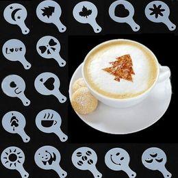 Spruzzo di muffa online-16pcs Stencil Filter Caffettiera Cappuccino Coffee Barista Modelli di stampi Fiori sparga Pad Spray Art Coffee Tools