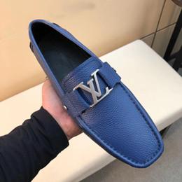Diseñador de la marca de lujo Hombres guisantes zapatos de moda superstar Zapatos de conducción de cuero 2019 zapatos de vestir de los hombres de gran tamaño mocasines de alta calidad desde fabricantes