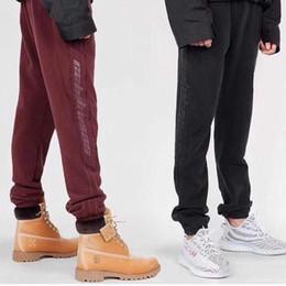 mejores pantalones de hip hop Rebajas 2018 Calabasas Season 4 Jogger Pants Kanye Men Hip Hop Pants Streetwear Mujeres Hombres Black Red Sweatpants Track Pants Mejor versión PXH0406