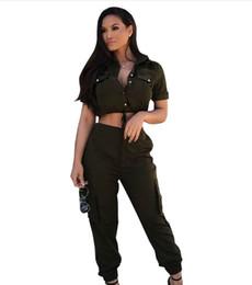 Canada T-shirts à manches courtes et à pantalon slim en coton vert armée pour femmes Offre