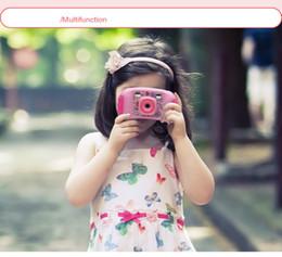 Imagens de cartão de vídeo on-line-Caçoa a câmera do jogo A câmera digital pequena da Multi-função com jogador do jogo apoia o editor do vídeo / imagem Câmera mega da foto do pixel 130 para crianças