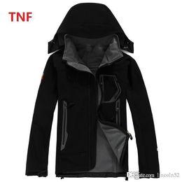 Wholesale Apex White - 2017 NEW Men's Fleece north Apex Bionic Jackets SoftShell Jacket Fashion Outdoor Windproof Waterproof Climbing outwear face jacket eur