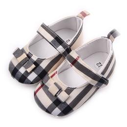 2019 meias de borracha de borracha atacado Crianças crianças meninas grade bowknot shoes primeiros caminhantes bebês zapatos ninas bebê recém-nascido crianças shoes