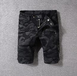 Wholesale jeans style for short men - 2018 Jeans For Men Camo Jeans Knee Drape short Panel Moto Biker Jeans Pairs W28-40 (1704)
