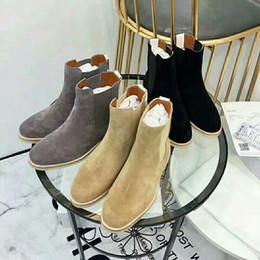 marche di mens cowboy Sconti mens designer Ankle Winter Boots Common Projects Sneakers Australian Fashion Designer di lusso Stivali da donna Scarpe da uomo da donna
