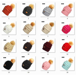 Wholesale Wholesale Pom Winter Hat - Unisex CC Trendy Hats Winter Knitted Fur Poms Beanie Label Fedora Luxury Cable Slouchy Skull Caps Fashion Leisure Beanie Outdoor Hats F898-1