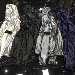 Wholesale black windbreak - 18SS ST0NE SP Jackets Loose Mens Coat Male Fluorescence Color Jackets Windbreak Rain-proof Thin Section Even Hat Windbreaker HFWPJK056