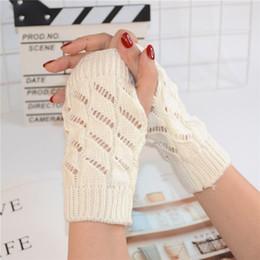 2019 aquecedores de mão sem dedos Womens Metade do Dedo de Mão De Malha De Pulso Aquecedores de Inverno Luvas Sem Dedos Luvas Luvas de Lã de Malha Feminina Sólida Monocromático aquecedores de mão sem dedos barato