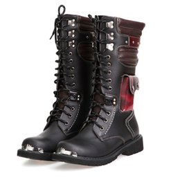 Stivali di fibbia mens online-OUDINIAO Drop Shipping Shoes Uomo Buckle Lace Up High Combat Boots Moda Uomo Scarpe British Metal Motorcycle Boots