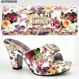 Le ultime scarpe da sposa donna nigeriana di vendita in scarpe da donna e  set coordinati da borsa decorati con scarpe da festa per donna con strass  ... 6d244d31eb0