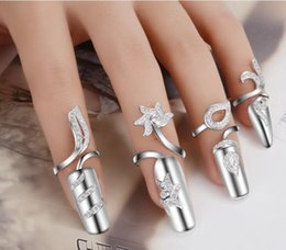 Wholesale Ring Finger Nail Designs - Exquisite Cute Retro Queen silver flowers Design Rings Rhinestone Plum Snake Silver Crystal Ring Finger Nail Cluster Rings Jewelry Gift