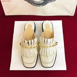 Wholesale White Beach Painting - Spring and summer paint shoes 2018 new durable rivet tassel slippers luxury brand fashionable and comfortable original quality