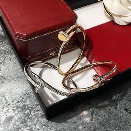 2019 stahl nagel armband Verrückte Förderung 2018 neue Mode Edelstahl Marke Luxus Nagel Armbänder für Frauen voll CZ Liebe Armreif edlen Schmuck rabatt stahl nagel armband