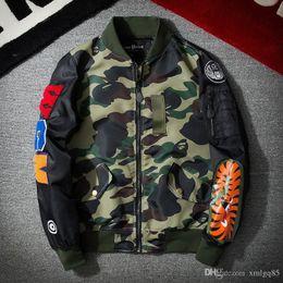 coppie immagini invernali Sconti uomini e donne Casual uniforme da baseball Hip hop moda giacca Vintage patch grande squalo volante giacca nuovo stile all'ingrosso