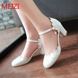 Wholesale Mary Pearl - Women's Sandals 2017 Summer Fashion Sweet lolita Mary Jane Pumps Pink white Pearl High heels Female Casual plus size Shoes 34-43