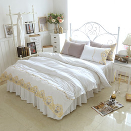 Wholesale Princess Quilts - White Princess Bedding Sets Gold Lace Crown Embroidered Bedclothes Bed Skirt 100% Cotton Girls Quilt Cover Set King Queen Plus