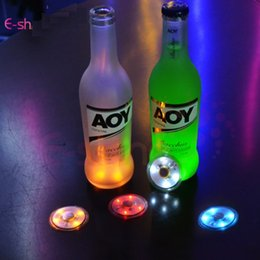decorazione flash Sconti LED Lampeggiante Bottiglia Sottobicchiere per bevande / Bicchieri LED Night lights Night Club e Bar Beer Party Decoration Lampade di Natale