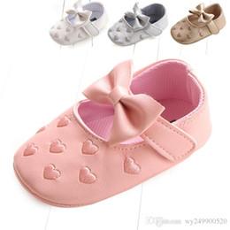 Canada Baby First Walkers chaussures de bébé coeurs brodés multicolores bow chaussures de bébé en bas âge chaussures en gros livraison gratuite Offre