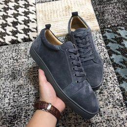 2ba54157d4b81 Brand New Sneakers Homme Femmes Rouge Bas Chaussures En Plein Air De Luxe  Gris En Cuir Sneakers Chaussures Parti De Mariage Loisirs Appartements  Livraison ...