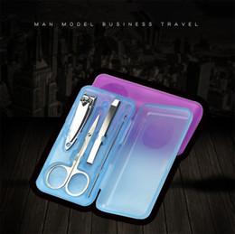 Kit portautensili portatile online-4pcs Portable Manicure Set Nail Art Kits Unghie Clipper Forbici Clip di Sopracciglio Earwax Spoon Pedicure Tool Con Retail Pacakge