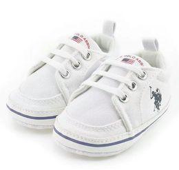 Sapatas de bebê Prewalker Impressão Meninos Crianças mocassins bebes sapatos sapatos Primeiros Caminhantes futebol respirabilidade marca Recém-nascido cheap football shoes branding de Fornecedores de sapatas do futebol branding