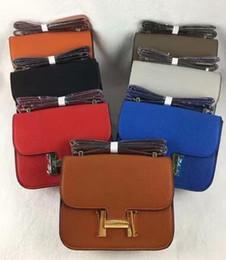 Wholesale mens fashion shoulder bags - The Newest Classic Shoulder bag Mens Fashion Messengers Bag Women Crossbody Bags Famous Shoulder Satchels Bag