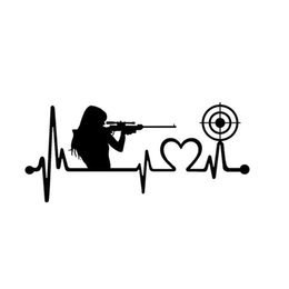 Пистолет Девушка Сердцебиение Целевой Съемки Наклейка Любовь Пушки Винтовка Пистолет Виниловые Наклейки cheap pistol shoot от Поставщики стрельба из пистолета