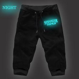 Cosas extrañas Pantalones cortos recortados luminosos Pantalón largo para hombre  Pantalones Joggers Gimnasios de fitness Pantalones de hombre Pantalones de  ... 18f3d019b343