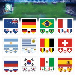 2020 tatuaggio del mondo Russia 2018 World Cup Tattoo Stickers Impermeabile Bandiera nazionale Banner Cheerleading Forniture Fan Paster On Face Braccio 0 25rc WW tatuaggio del mondo economici