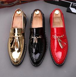 2018 nouveau style classique en cuir verni noir chaussures de mariage pour hommes wintip mocassins gland frange chaussures de soirée ? partir de fabricateur