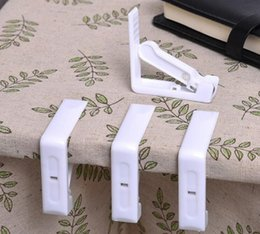 Wholesale Plastic Party Tables - Plastic Tablecloth Clip With Stainless Steel Spring White Table Cover Clip Table Cloth Holder Party Wedding Supplies