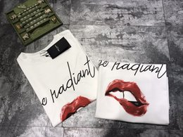 Wholesale Lips T Shirts Women - In 2018, early spring, red lips, handwritten doodles, pure cotton T-shirt men and women, with short sleeves.