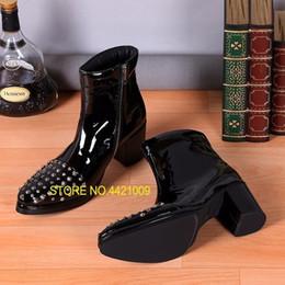 cargadores negros del cuero de patente del mens Rebajas 2018 Mens Winter Fall Boots Remaches Stud Tobillo Tacones altos Botas de charol para hombre Negro Stage Party Plus Size 38-46