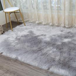 Camas modernas online-LIU Grueso felpa Alfombra de lana Artificial dormitorio sala de estar ventanas tapete de piel tapete moderno sofá alfombra suave tapetes personalizados Manta