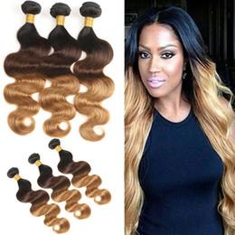 cheveux couleur miel Promotion Malaisiens Ombre Cheveux Humains Weave Bundles T1B / 4/27 Dark Root Miel Blodne Vague de Corps Trois Tons de Couleur Malaisienne Vierge Cheveux Livraison Gratuite