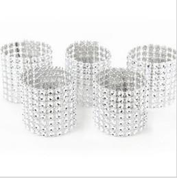 Decorações de casamento de diamantes de plástico on-line-Barato 10 Pçs / lote Plástico diamante pacote de guardanapo guardanapo fivela de casamento do hotel suprimentos de decoração para casa
