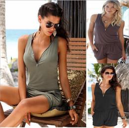 2018 frauen kurzer overall Slim Frau Playsuits Strand beiläufige kurze  Hosen Jumpsuit Sexy ärmellose Reißverschluss V 8b44da5f7c