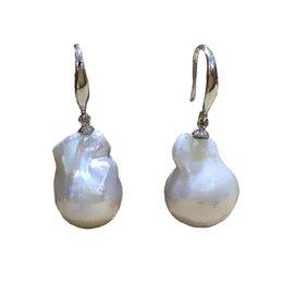 Natürliche barocke perlen großhandel online-Großhandelsgroße Größe barocke kernige staly Ohrring flameball Form weiße Farbe natürliche Frischwasserperle 925 Sterlingsilber